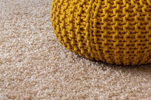 Comment nettoyer un tapis avec du bicarbonate de soude?
