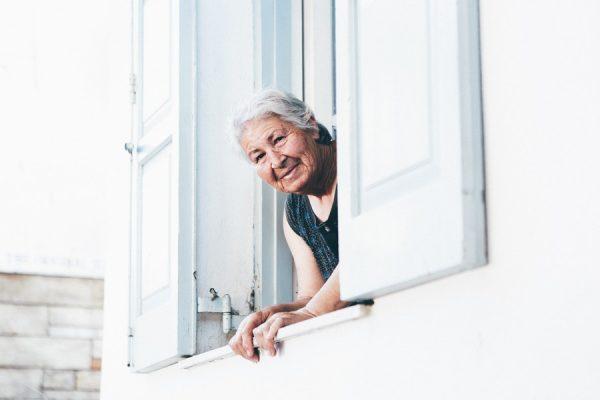 Personnes âgées: comment bien aménager son logement?